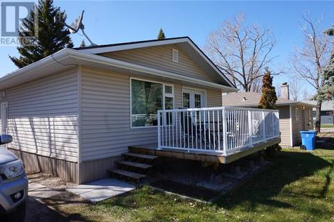 House for sale at 302 5th St W Carlyle Saskatchewan - MLS: SK796228