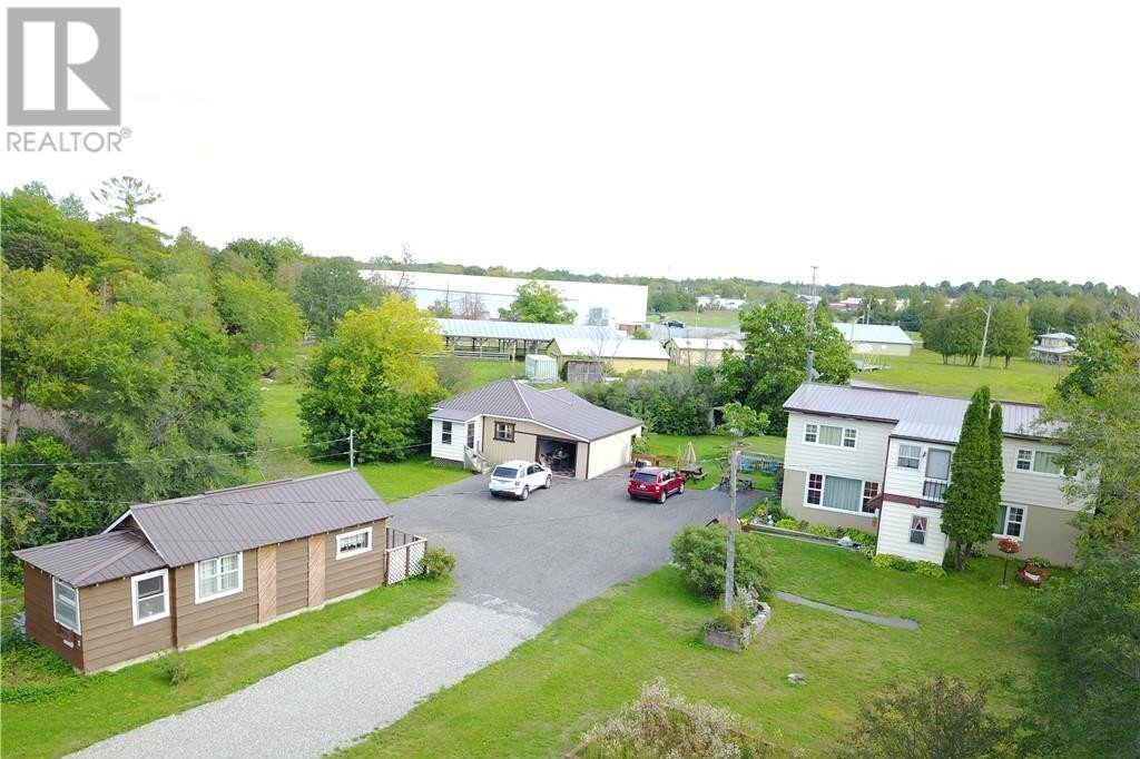 Townhouse for sale at 302 County Road 8  Fenelon Falls Ontario - MLS: 40013220