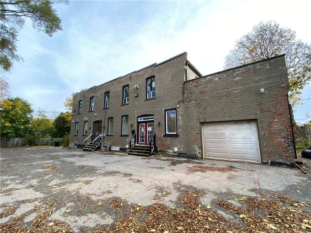 Commercial property for lease at 302 Cumberland Ave Hamilton Ontario - MLS: H4067985