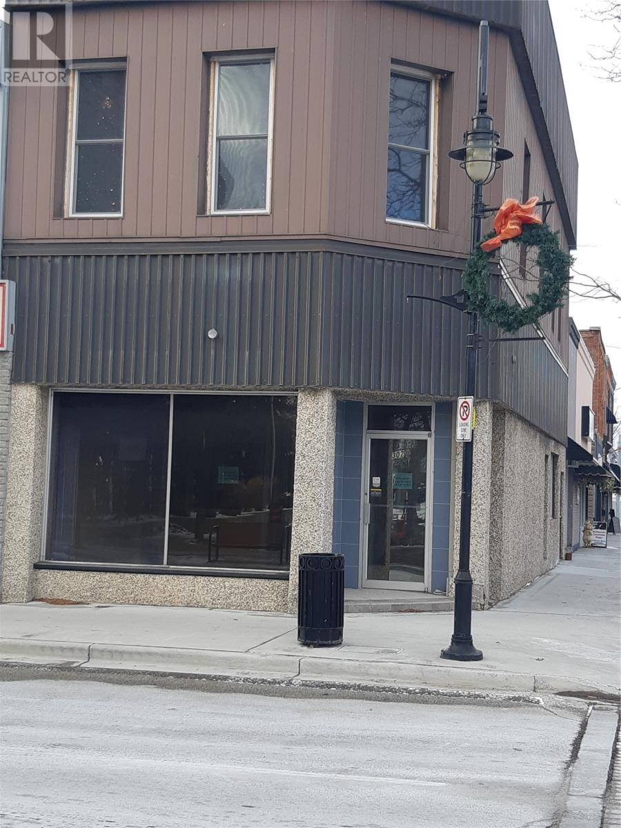 Commercial property for lease at 302 James St Wallaceburg Ontario - MLS: 20000322