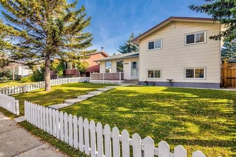 House for sale at 3024 56 St Northeast Calgary Alberta - MLS: C4274108