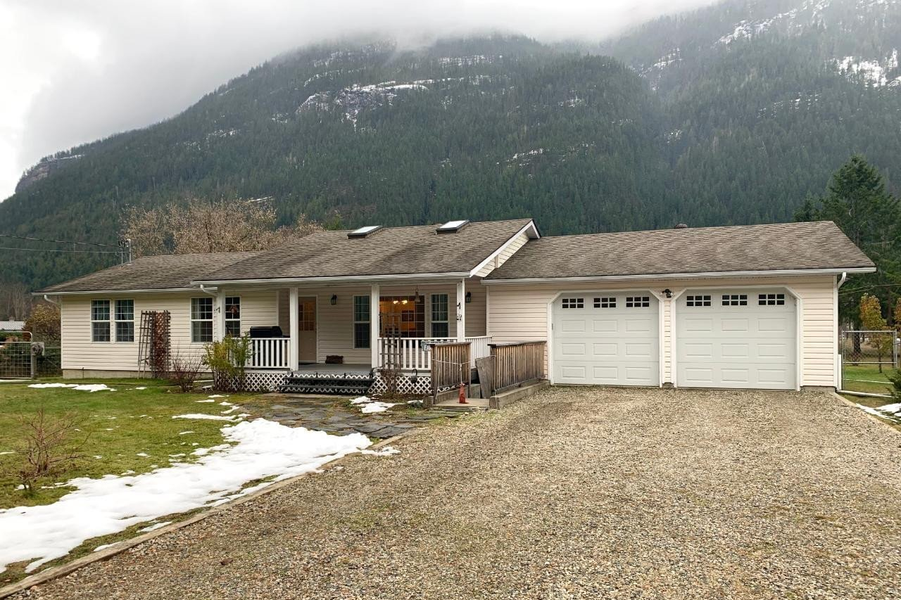 House for sale at 3027 Slocan Valley East Rd Slocan Park British Columbia - MLS: 2455595