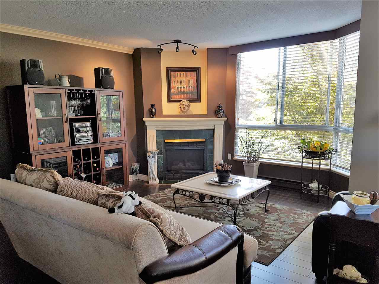 Buliding: 1245 Quayside Drive, New Westminster, BC