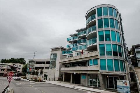 Condo for sale at 14955 Victoria Ave Unit 303 White Rock British Columbia - MLS: R2502430