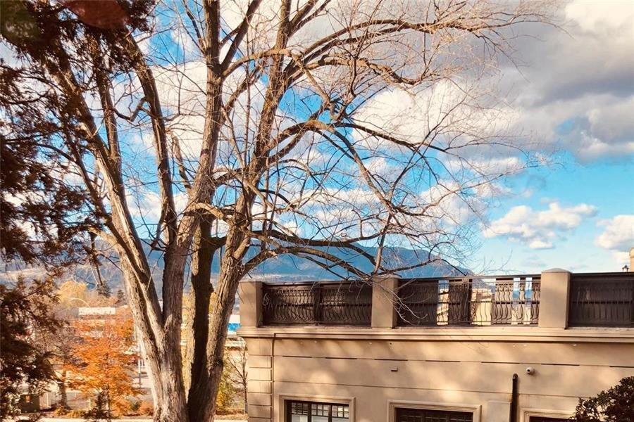 Condo for sale at 1761 Pandosy St Unit 303 Kelowna British Columbia - MLS: 10218039