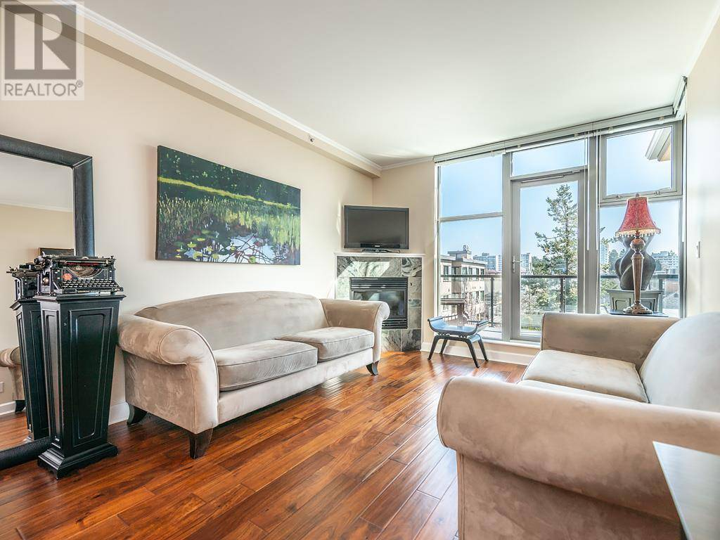 Condo for sale at 225 Menzies St Unit 303 Victoria British Columbia - MLS: 423490
