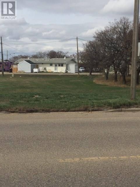 Home for sale at 303 4 Hy N Rosetown Saskatchewan - MLS: SK770446