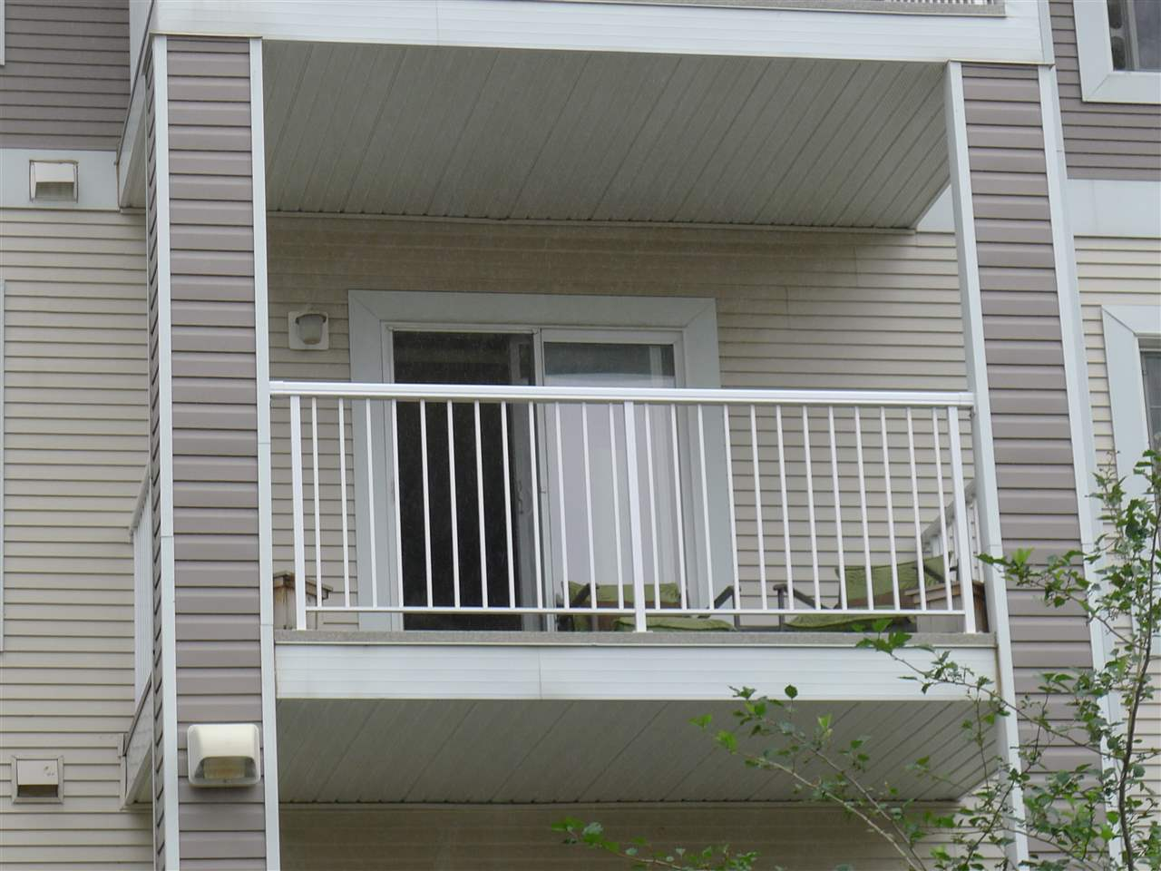 Buliding: 4403 23 Street, Edmonton, AB