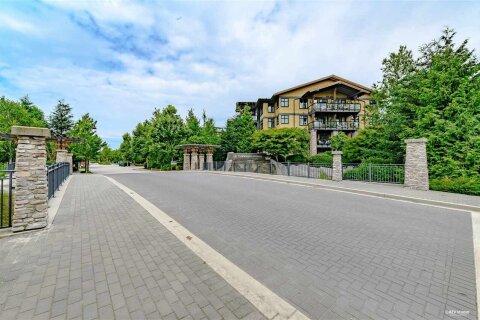 Condo for sale at 5011 Springs Blvd Unit 303 Delta British Columbia - MLS: R2512076