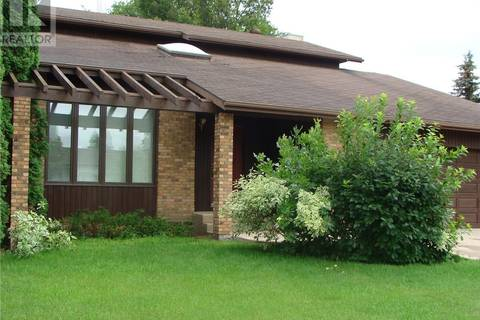 House for sale at 303 8th Ave W Watrous Saskatchewan - MLS: SK798865