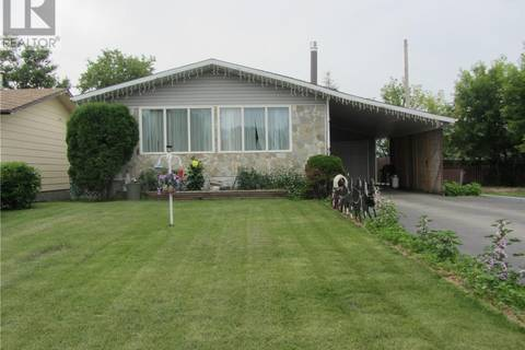 House for sale at 303 8th St W Meadow Lake Saskatchewan - MLS: SK797761
