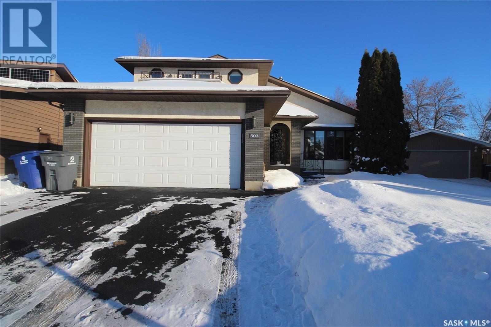 House for sale at 303 Keeley Cres Saskatoon Saskatchewan - MLS: SK833753