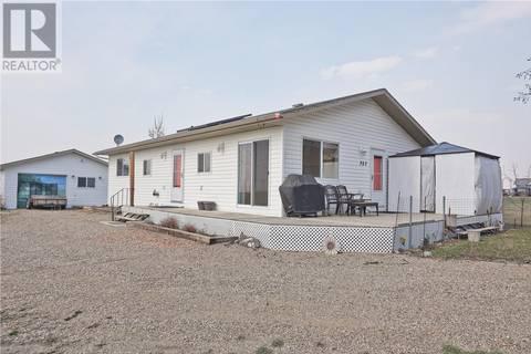 House for sale at 303 King St Elbow Saskatchewan - MLS: SK757843