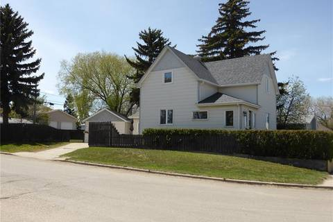 House for sale at 303 Lillooet St W Moose Jaw Saskatchewan - MLS: SK796518