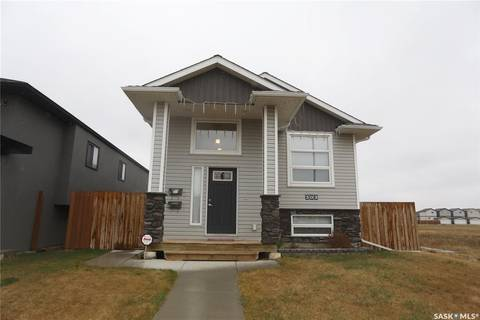 House for sale at 303 Rosewood Blvd W Saskatoon Saskatchewan - MLS: SK808036