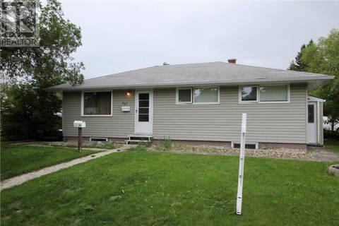 House for sale at 303 Royal St Regina Saskatchewan - MLS: SK779457