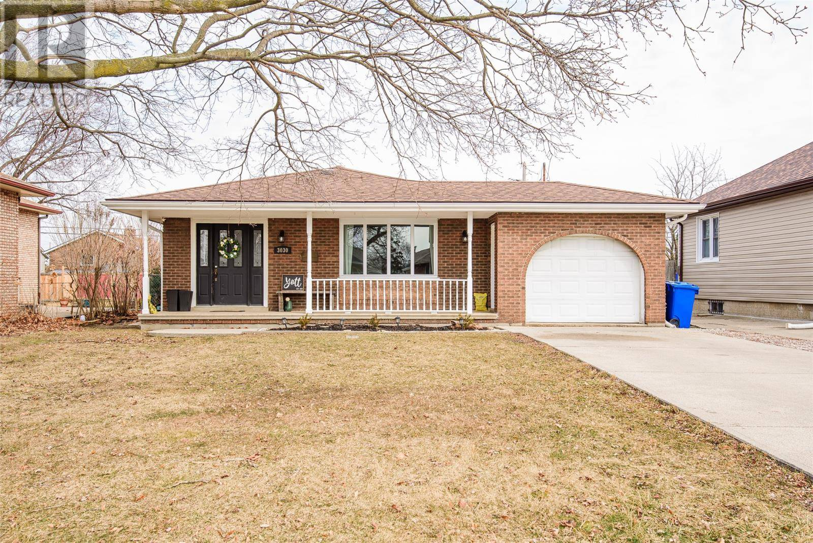 House for sale at 3030 Clemenceau  Windsor Ontario - MLS: 20003358