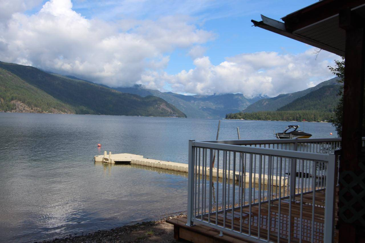 House for sale at 3035 East Lake Drive  Christina Lake British Columbia - MLS: 2450900