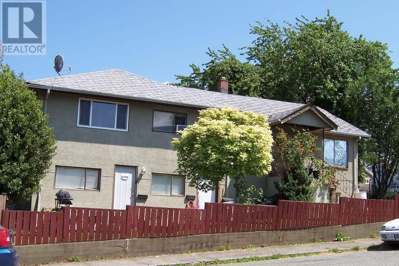 Townhouse for sale at 3035 1st  Port Alberni British Columbia - MLS: 816407
