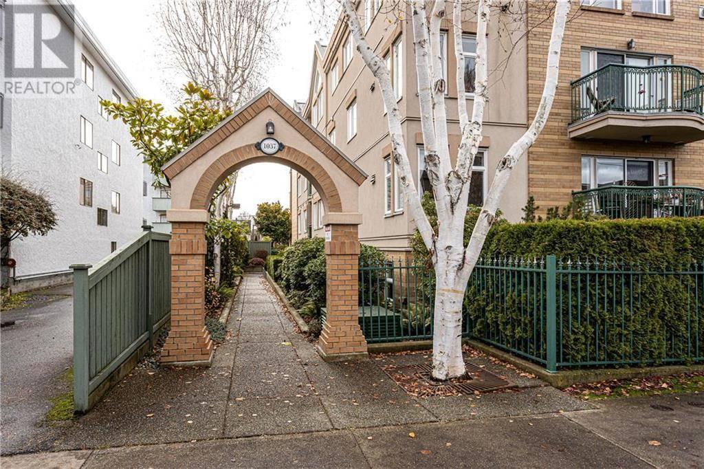 Condo for sale at 1037 Richardson St Unit 304 Victoria British Columbia - MLS: 419176