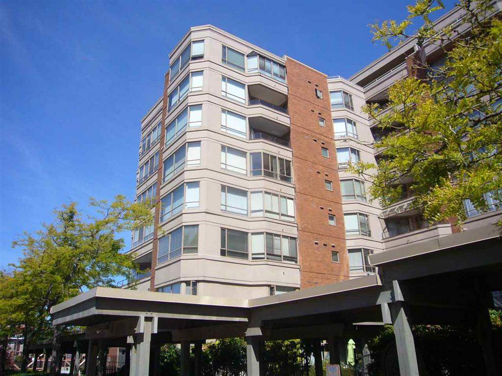 Removed: 304 - 15111 Russell Avenue, White Rock, BC - Removed on 2019-12-10 04:15:16