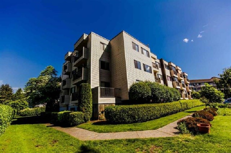 Sold: 304 - 32733 Broadway East Street, Abbotsford, BC