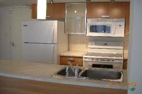 Apartment for rent at 38 Grenville St Unit 304 Toronto Ontario - MLS: C4862694
