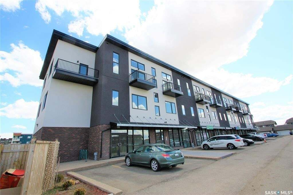 Condo for sale at 419 Willowgrove Sq Unit 304 Saskatoon Saskatchewan - MLS: SK809576