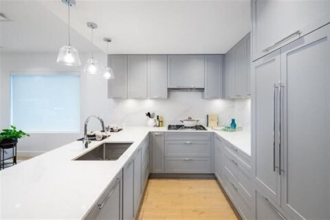 Condo for sale at 4352 Hastings St Unit 304 Burnaby British Columbia - MLS: R2519794