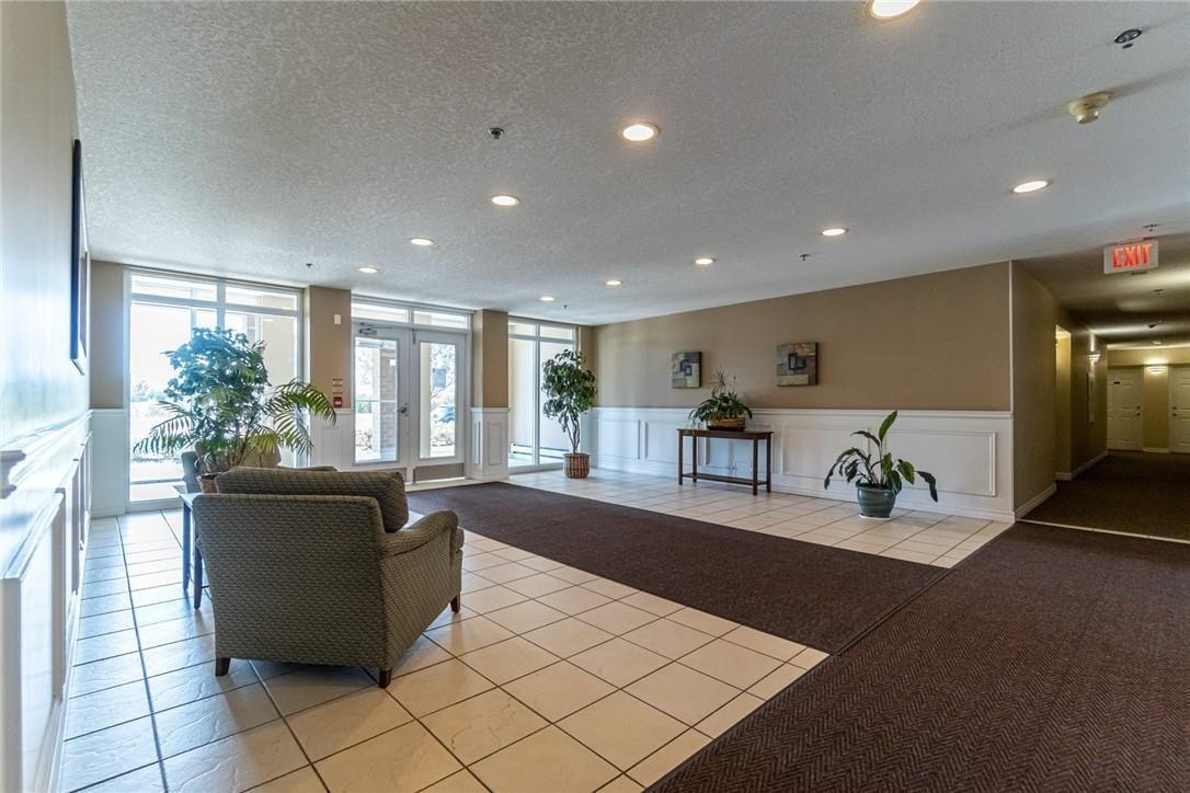 Condo for sale at 4450 Fairview St Unit 304 Burlington Ontario - MLS: H4085016