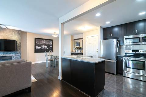 Condo for sale at 523 Whiting Wy Unit 304 Coquitlam British Columbia - MLS: R2394786