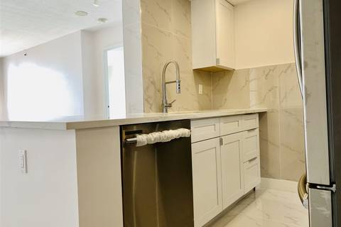 Condo for sale at 55 Tenth St Unit 304 New Westminster British Columbia - MLS: R2447206