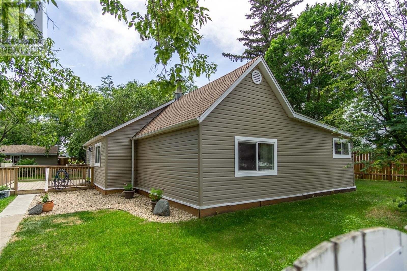 House for sale at 304 Barton St Dundurn Saskatchewan - MLS: SK815608