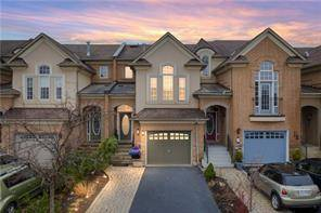 Townhouse for sale at 304 Creek Path Ave Oakville Ontario - MLS: O4734226