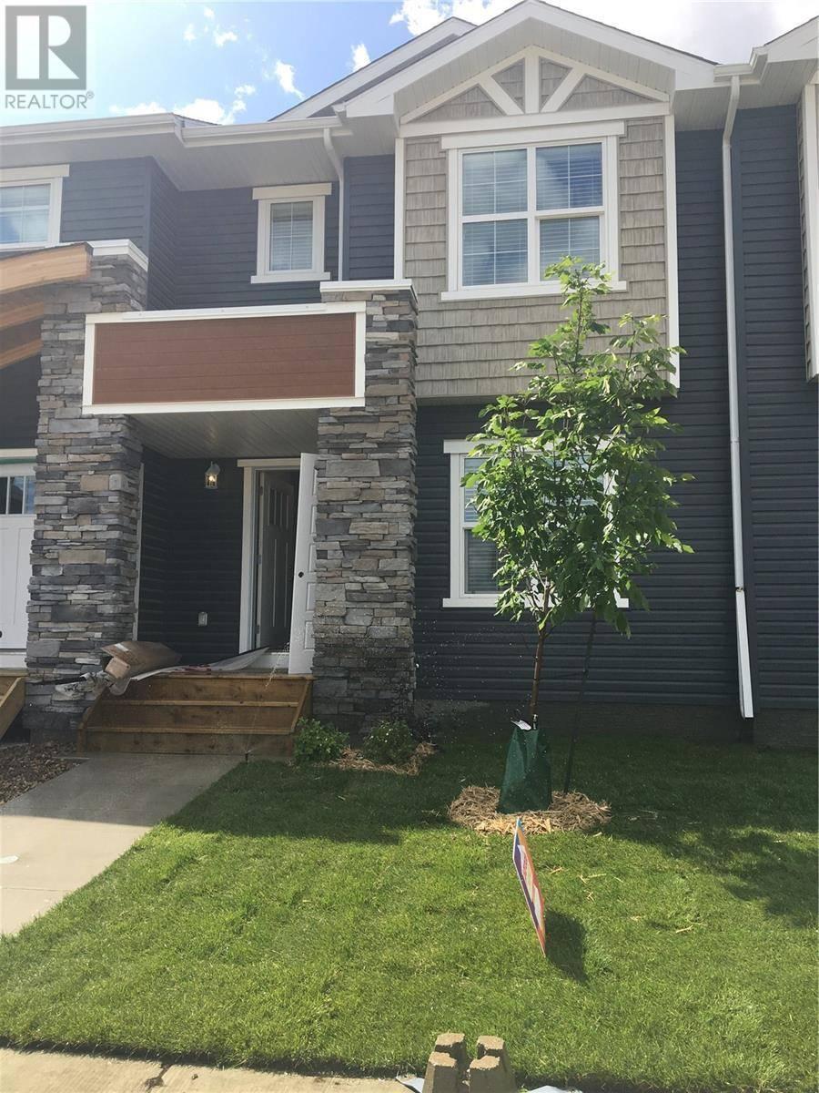 Townhouse for sale at 304 Underhill Bnd  Saskatoon Saskatchewan - MLS: SK803402