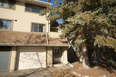Townhouse for sale at 304 Woodvale Cres Southwest Calgary Alberta - MLS: C4290019