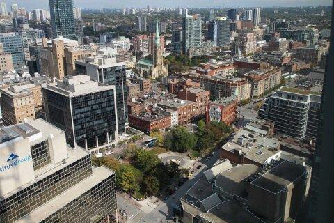 3046 - 8 The Esplanade Avenue, Toronto | Image 2