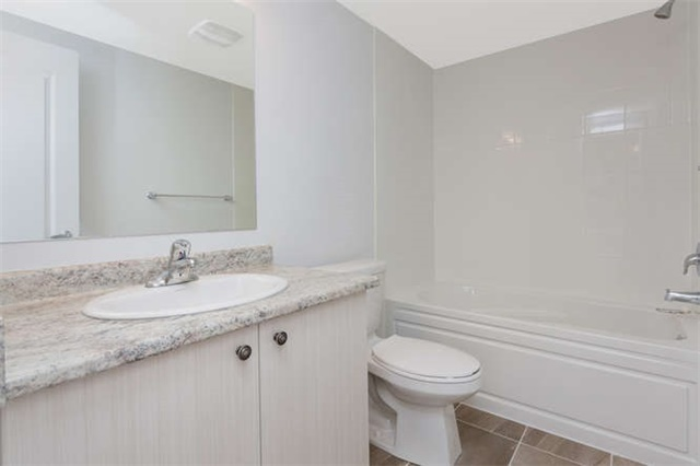 For Sale: 3047 Cascade Common , Oakville, ON | 2 Bed, 3 Bath Townhouse for $699,900. See 20 photos!