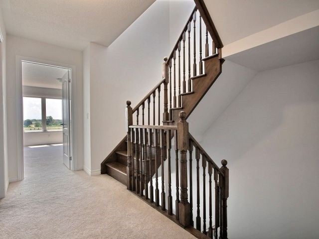 For Sale: 3048 Cascade Common , Oakville, ON | 4 Bed, 4 Bath Townhouse for $920,000. See 19 photos!