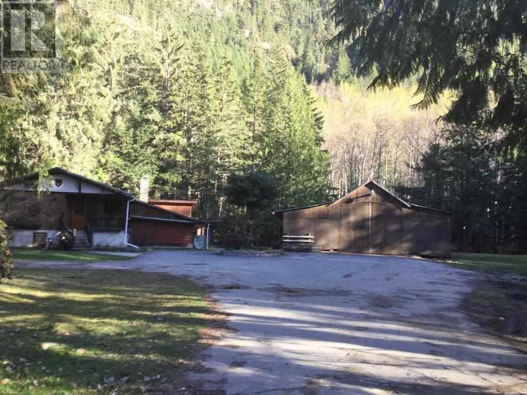 House for sale at 3049 Mackenzie Hy Bella Coola British Columbia - MLS: R2447357