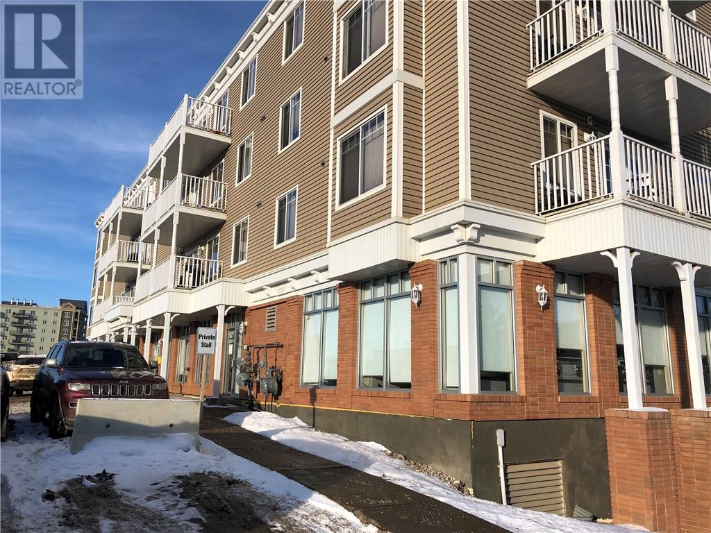 Buliding: 10217 Queen Street, Fort Mcmurray, AB