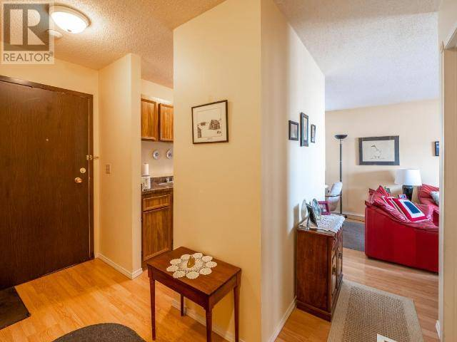Condo for sale at 130 Skaha Pl Unit 305 Penticton British Columbia - MLS: 182761