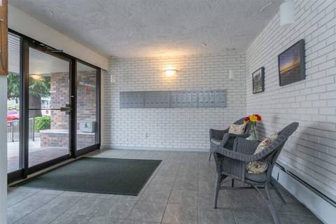 Condo for sale at 1320 Fir St Unit 305 White Rock British Columbia - MLS: R2379334