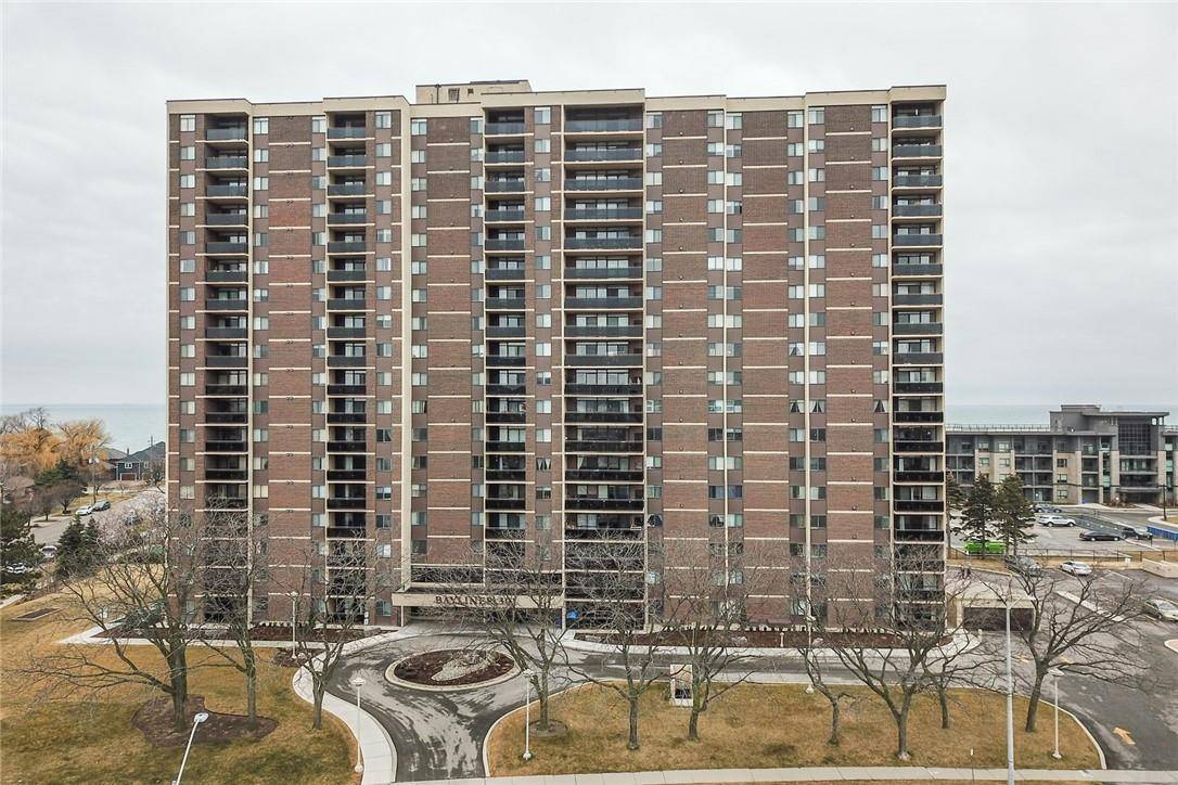 Condo for sale at 301 Frances Ave Unit 305 Stoney Creek Ontario - MLS: H4075302
