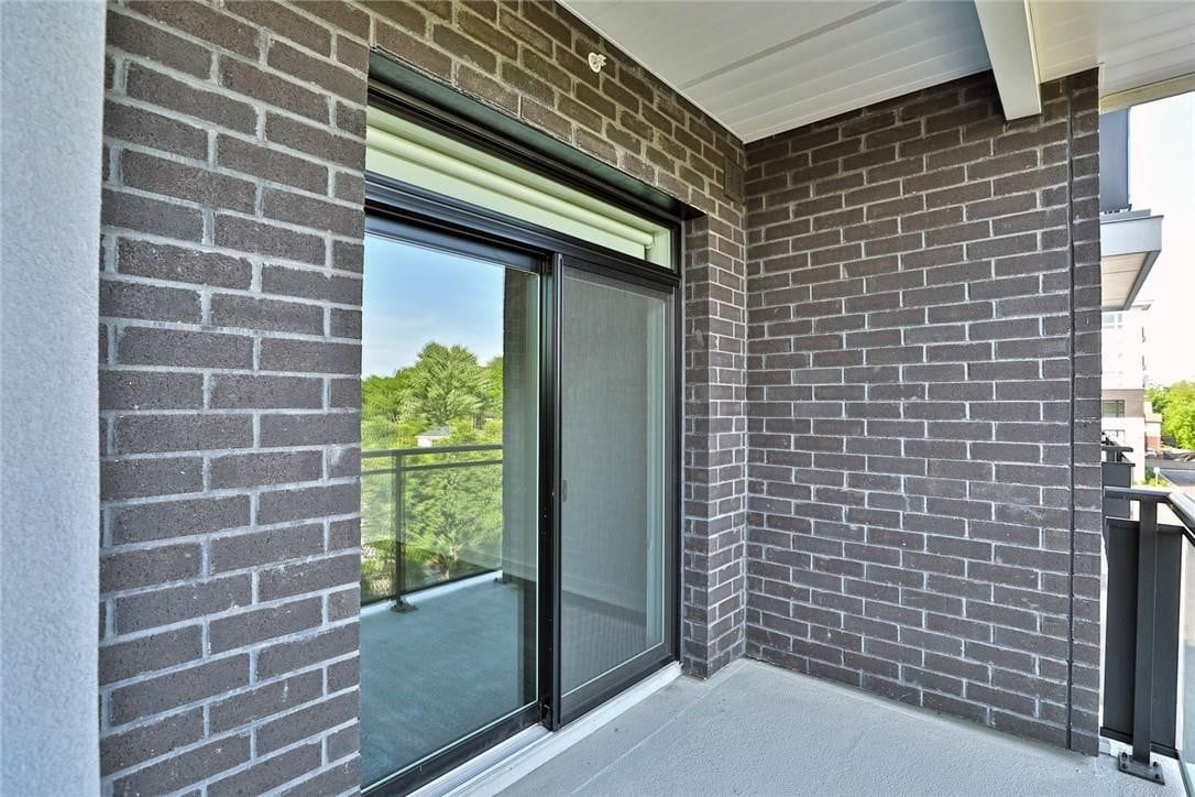 Apartment for rent at 320 Plains Rd E Unit 305 Burlington Ontario - MLS: H4079527
