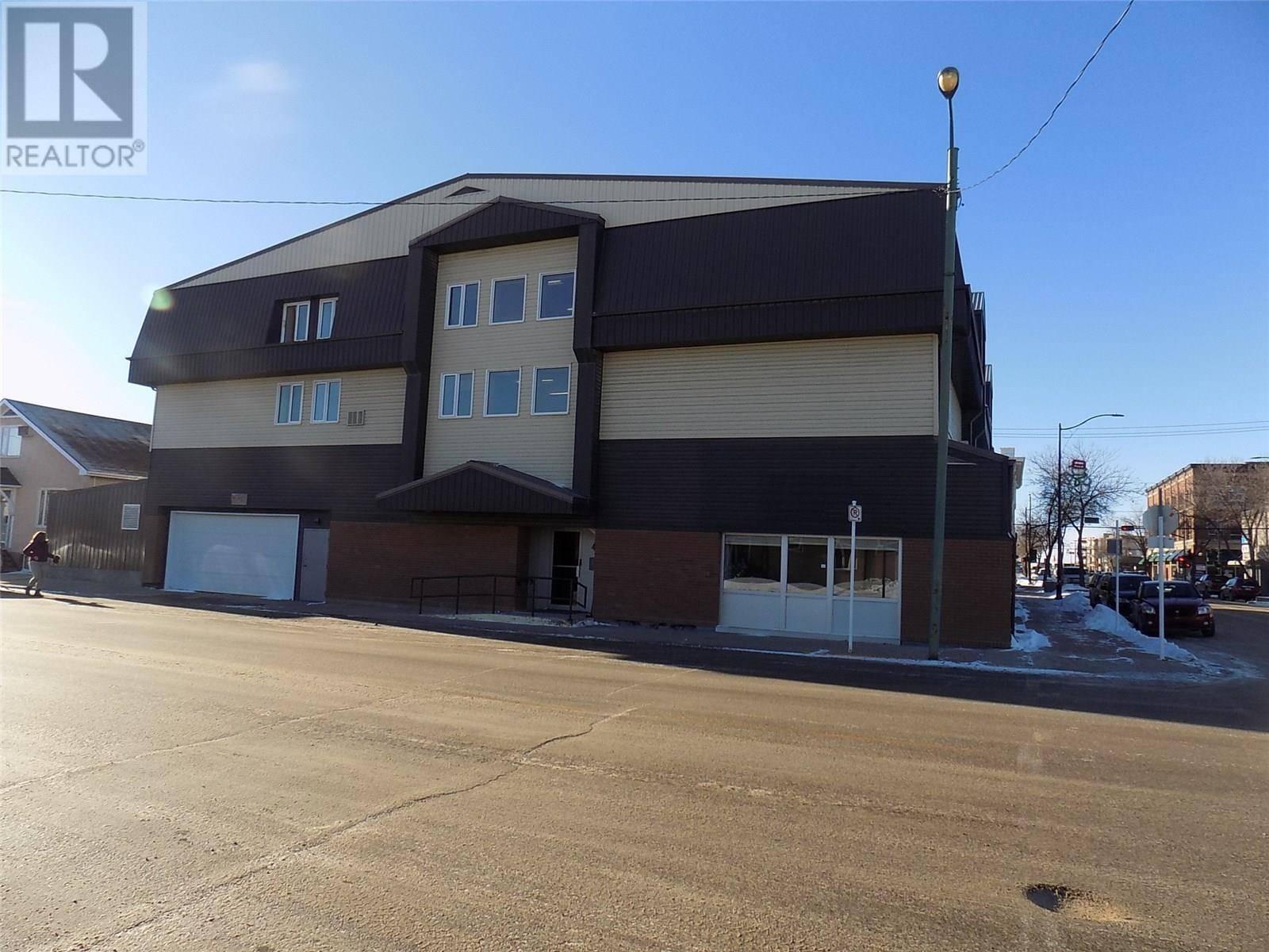 Condo for sale at 41 4th St Ne Unit 305 Weyburn Saskatchewan - MLS: SK757786