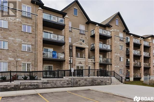 For Sale: 44 Ferndale Drive S, Barrie, ON | 2 Bed, 2 Bath Condo for $424,000. See 18 photos!