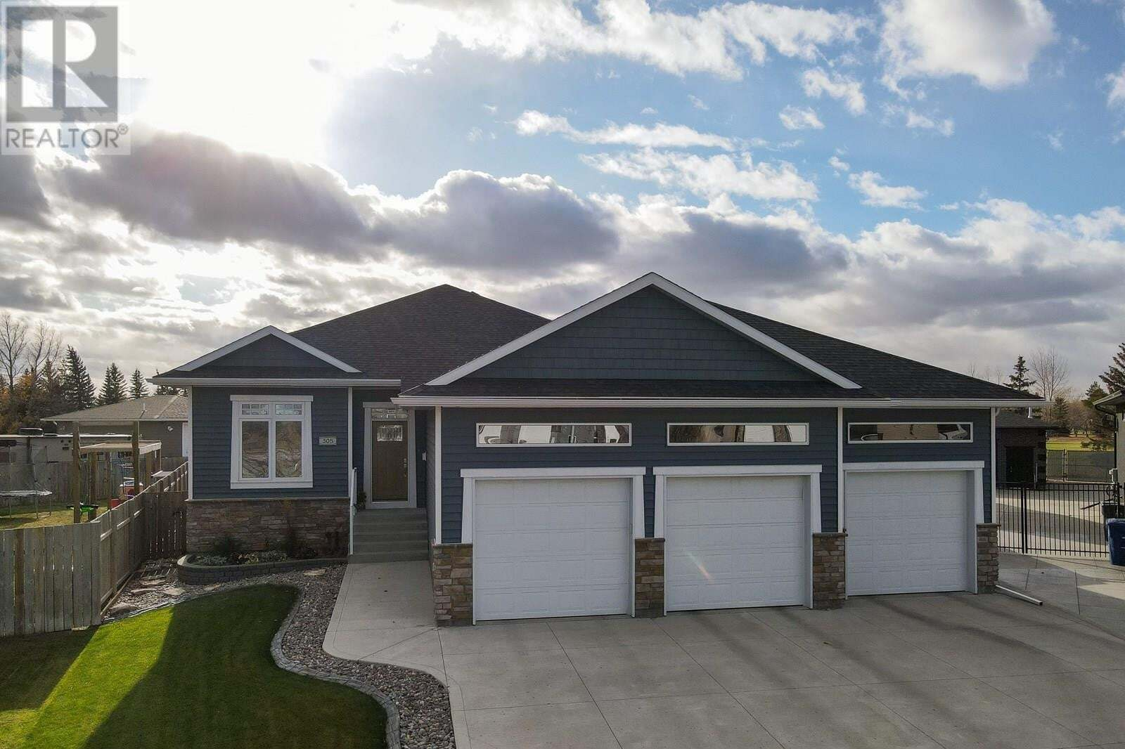 House for sale at 305 Deer By Warman Saskatchewan - MLS: SK830711
