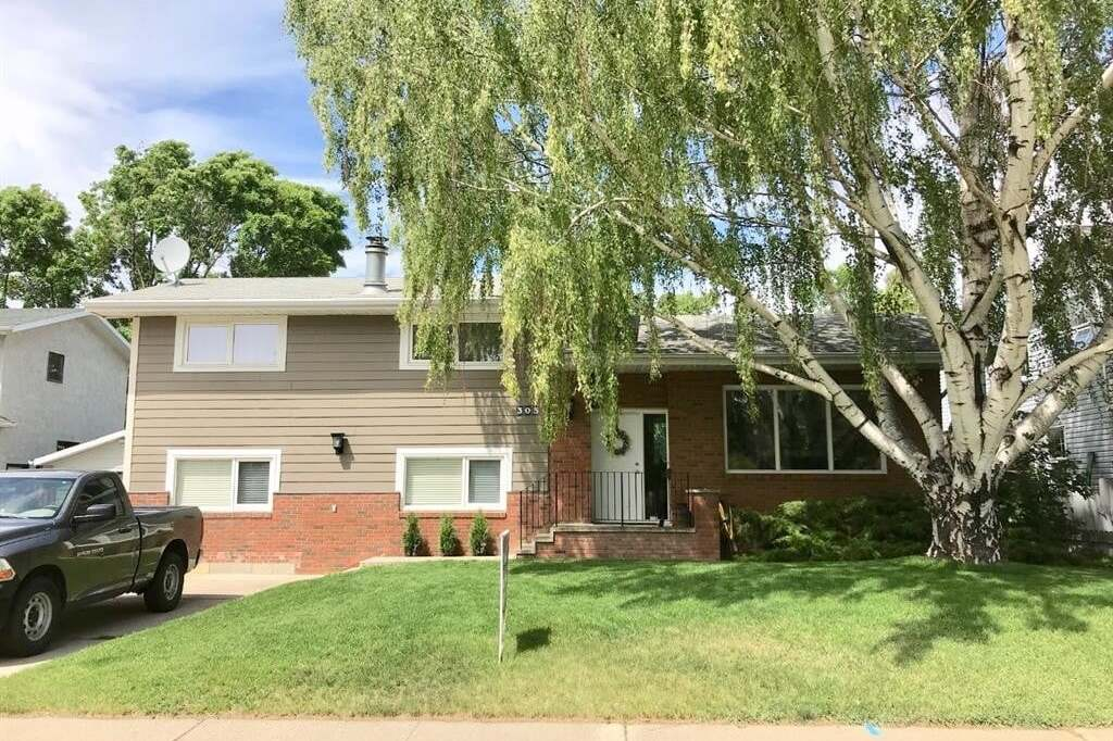 House for sale at 305 Dieppe Blvd South Lethbridge Alberta - MLS: LD0192124