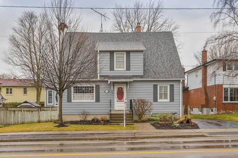 Townhouse for sale at 305 Dunlop St Whitby Ontario - MLS: E4733325